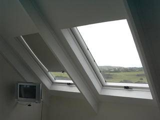 Loft-type ceiling (showing opening window with optional blind)